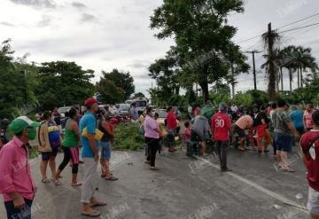 Bloquean carretera estatal Nacajuca - Villahermosa