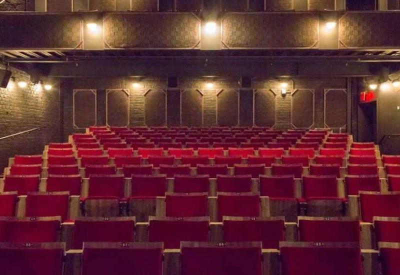 Cines fuera de Nueva York reabrirán a finales de octubre