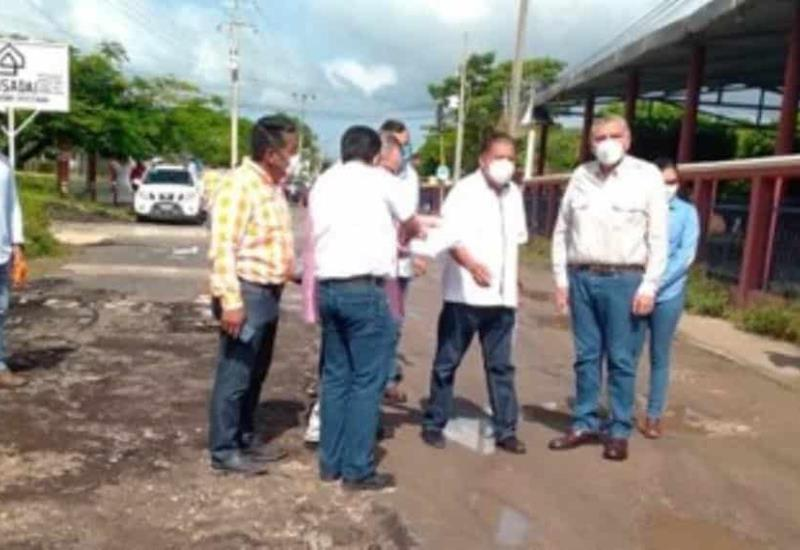 Adán Augusto López dio el banderazo de inicio de obras que beneficiarán a cinco mil 180 habitantes