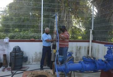 Cumplen a habitantes con instalación de bomba de agua en Paraíso