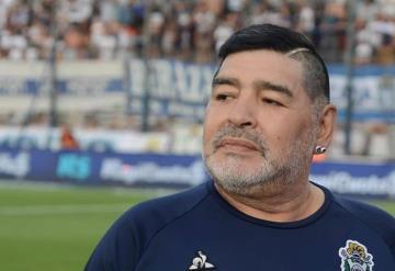 Diego Maradona es internado en La Plata