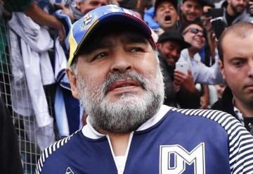 Maradona fue operado con éxito de un hematoma en la cabeza