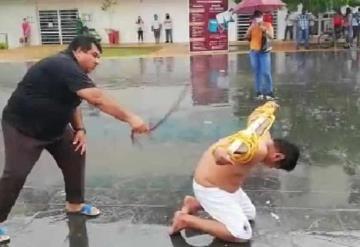 Flagelan a ciudadano de Gaviotas Sur, en protesta por la falta de apoyos a damnificados