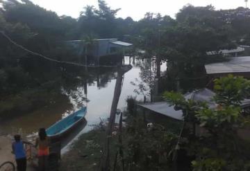 Más de 250 familias se encuentran anegadas Habitantes de solicitan apoyo de las autoridades