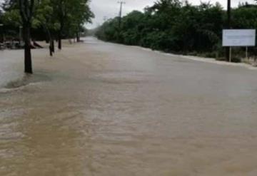 Río de la Sierra inunda localidades de Jalapa