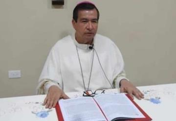 Obispo llama a no bajar la guardia ante pandemia de covid-19 y el dengue