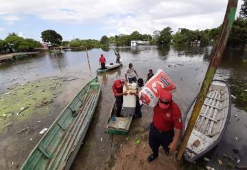 Evacuan a familias del ejido Torno Largo de Jonuta