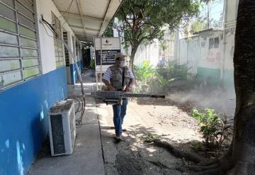 Fumigan y realizan control larvario en albergues de Jonuta
