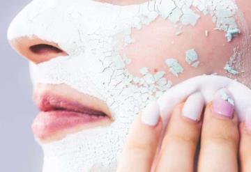 Olvídate de las manchas del rostro con estos exfoliantes naturales