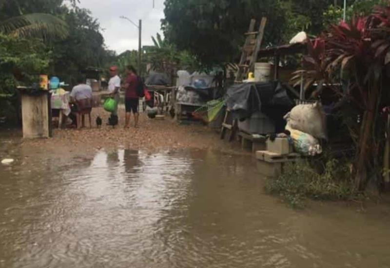 A 15 días de la inundación no pueden volver a sus hogares ¡Tenosique aún entre el agua!
