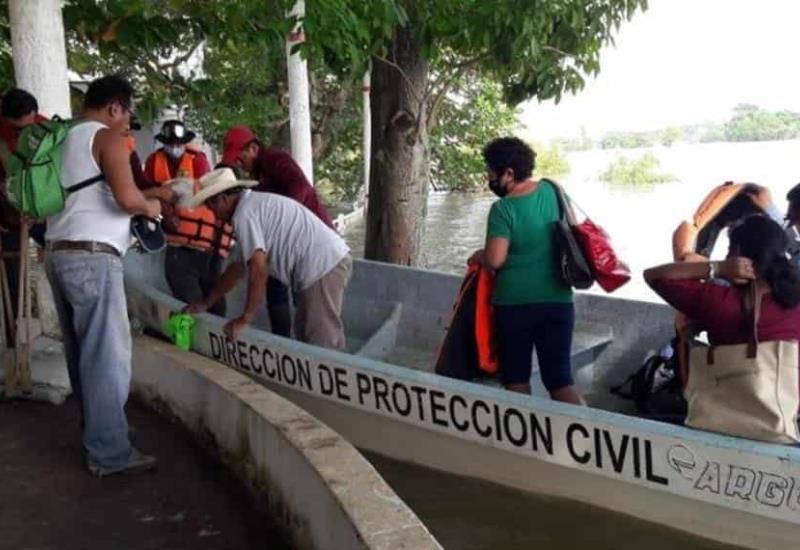 En Jonuta se continua en el reforzamiento de bordos en el río Usumacinta