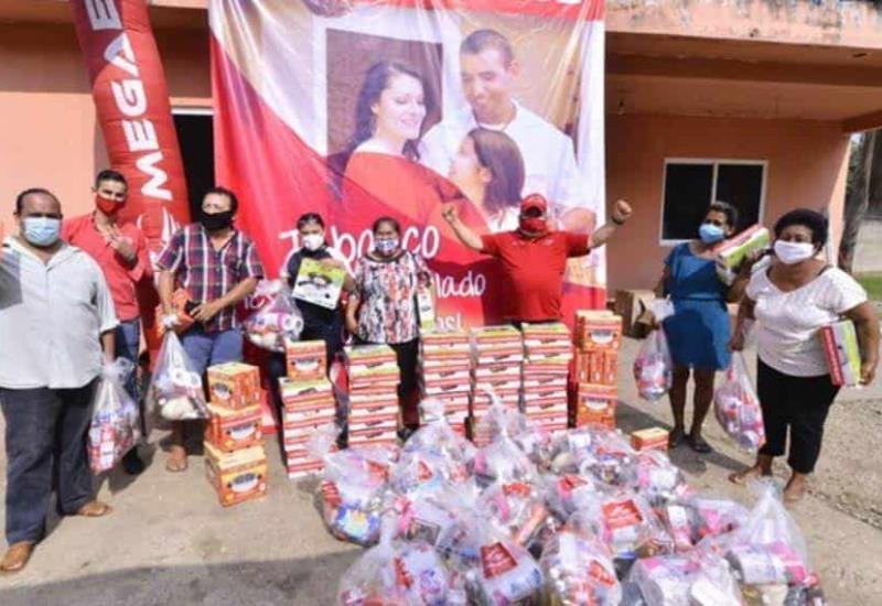MegaEmpeños entregó más de 300 despensas y 76 estufas eléctricas a los habitantes de Ixtacomitan