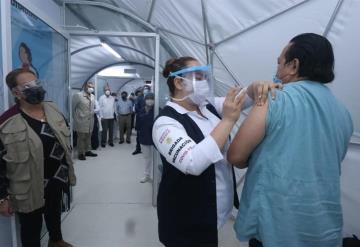 Arranca en el Hospital Juan Graham, la aplicación de la vacuna Pfizer contra el COVID-19