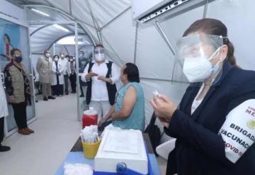 No hay reacción negativa a la vacuna; médicos deben mantener protocolos: Salud