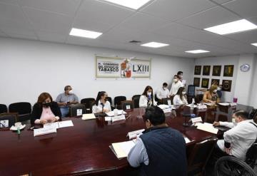 Plantea la Comisión Permanente Morena dar bono al personal médico COVID