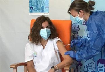 Comienzan a aplicar segunda dosis de vacuna en España