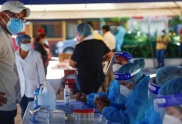 Mexicanos que viven en Estados Unidos podrían recibir vacuna en consulados