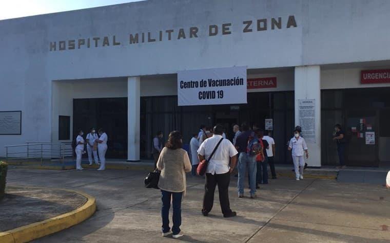 Arranca vacunación del personal médico del Hospital Militar