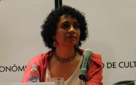 Gana el Premio Mazatlán la escritora Malva Flores