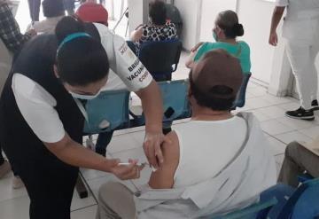 Se reanuda la jornada de vacunación contra el Covid-19: Centro