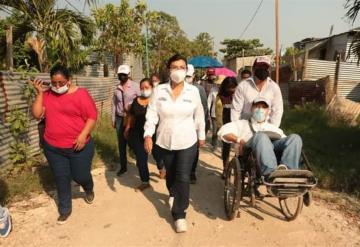 Yolanda Osuna, candidata de Morena, realiza caminata en el ejido José María Pino Suárez