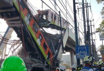 Protección Civil de CDMX retira primer vagón del tren que cayó en Línea 12 del Metro