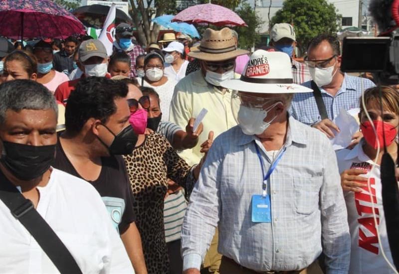 El candidato Andrés Rafael Granier Melo realizo su visita por la Lomas del Palmar y Gracias México