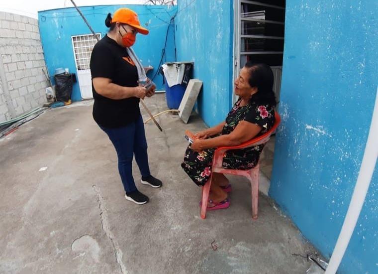 La candidata por el partido MC realizo su recorrido por la Colonia Indeco