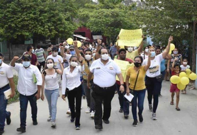 Todas las comunidades de centro están urgidas de obras y acciones de gobierno: Manuel Andrade