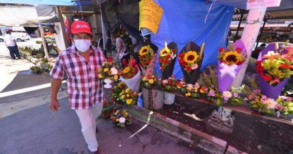 "Comerciantes de flores denuncian ""incongruencia"" de autoridades por suspensión de sus actividades"