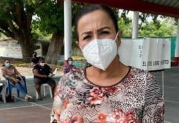 La candidata a diputada federal por el V Distrito de Morena, Janicie Contreras García, acudió a emitir su voto