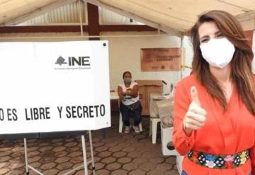 Soraya Pérez Munguía externó su confianza al acudir a emitir su voto en la sección 0067 del municipio de Cárdenas