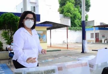 La candidata a la alcaldía de Centro MC Ana Bertha Vidal Focil Indicó que el ciudadano va llegando de a poco y no tienen mayor problema en acudir a sus casillas