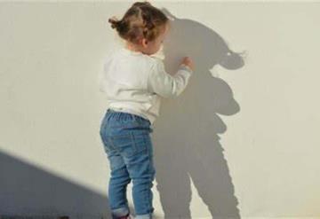Niña de 2 años muere tras tragarse una pila