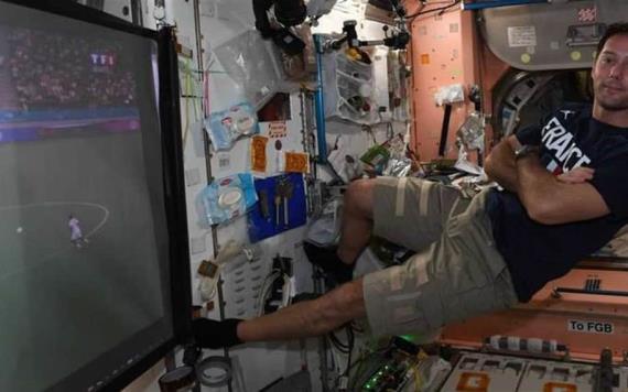 Astronauta se hace viral por ver partido desde el espacio