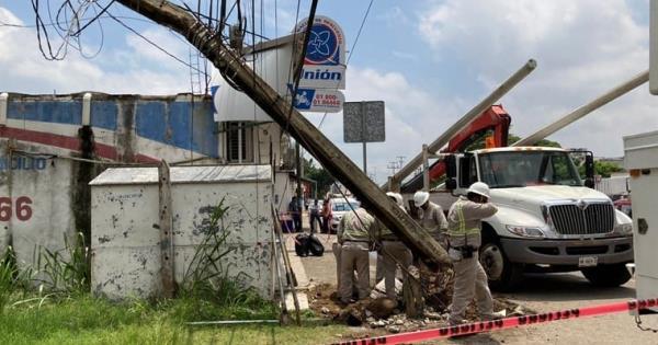 Colonia Miguel Hidalgo continúa sin suministro eléctrico
