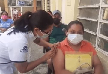 Inicia vacunación contra COVID-19 en localidades rurales de Centro