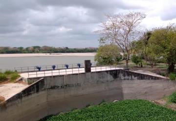 Titular de la CONAGUA en Tabasco superviso situación de compuerta hidráulica en Boca de San Gerónimo