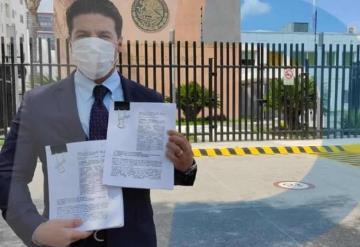 Samuel García impugna multas