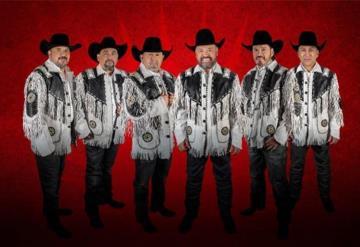 Intocable regreso a los escenarios en un concierto al aire libre en México