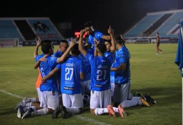 El delantero tabasqueño Pica Hipólito colaboró para que Cancún FC se impusiera 3-1 a Mineros de Zacatecas
