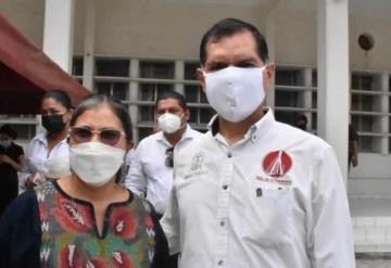 Guadalupe Cruz Izquierdo, Presidenta de Centla acudió a Coatzacoalcos para hacer entrega de las despensas a la población damnificada por el Huracán Grace