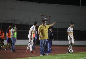 Consternado y frustrado es como se encuentra Alejandro Pérez, técnico de Pumas Tabasco luego de sumar otra derrota como locales