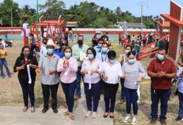 Inauguran dos centros deportivos comunitarios rehabilitados en las rancherías guayo 2ª y 3ª de Comalcalco