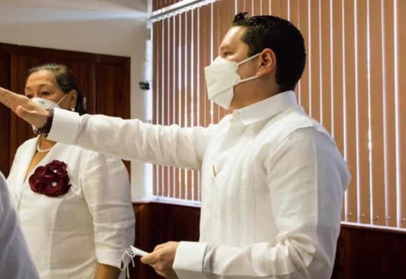 Alcalde de Cunduacán presenta a los integrantes de su nueva administración