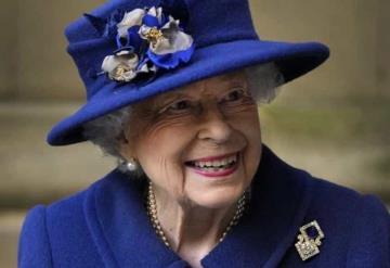 Reina Isabel rechaza el Premio Anciana del Año