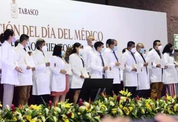 Gobierno de Tabasco reconoce labor de médicos durante la pandemia  Covid-19